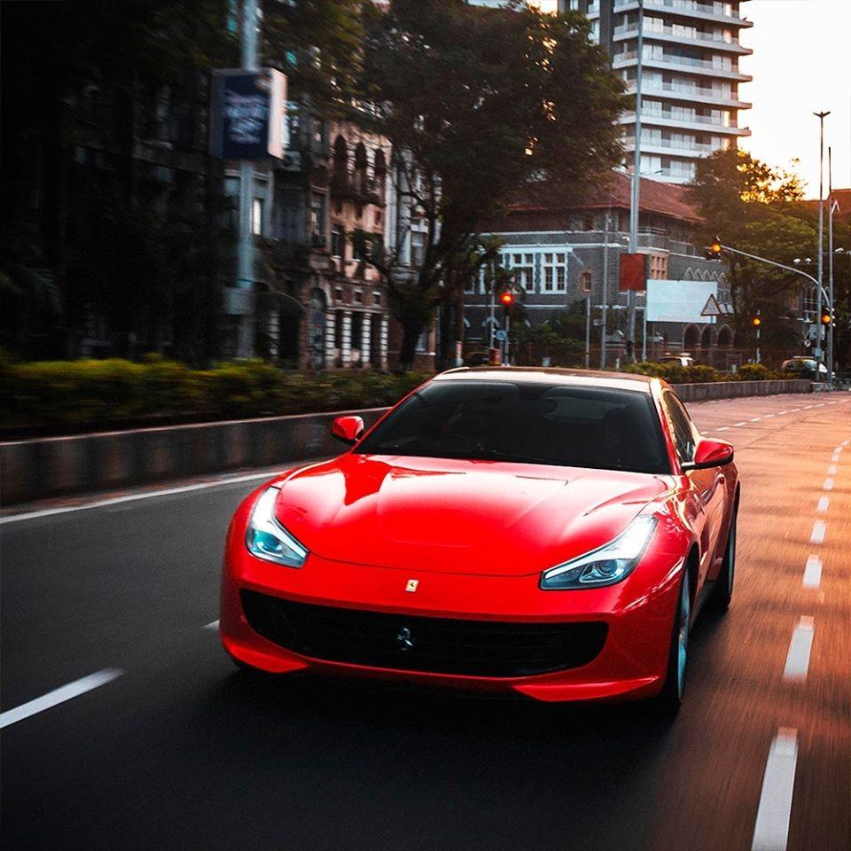 5 estradas incríveis para pilotar um supercarro | Super Carros