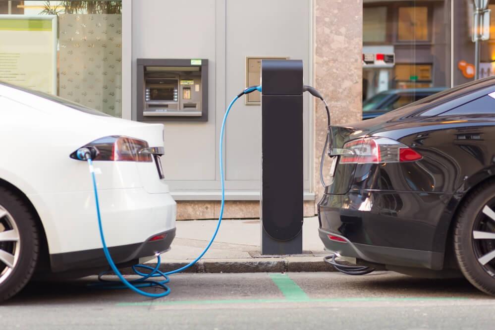 Carros elétricos e híbridos: é possível um futuro com eles? | Super Carros